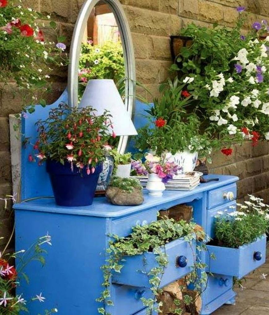 Дачные поделки своими руками для украшения сада фото