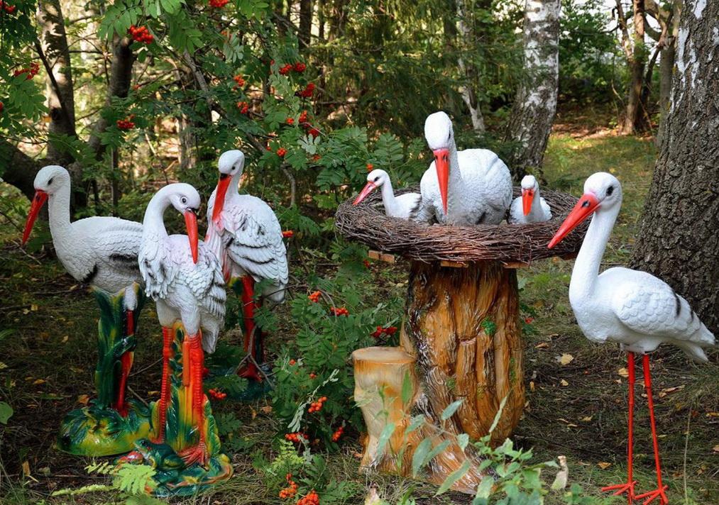 Садовые фигурки аисты
